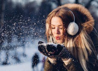 mulher durante o inverno